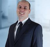Imagem do rosto do advogado Angelo Mestriner